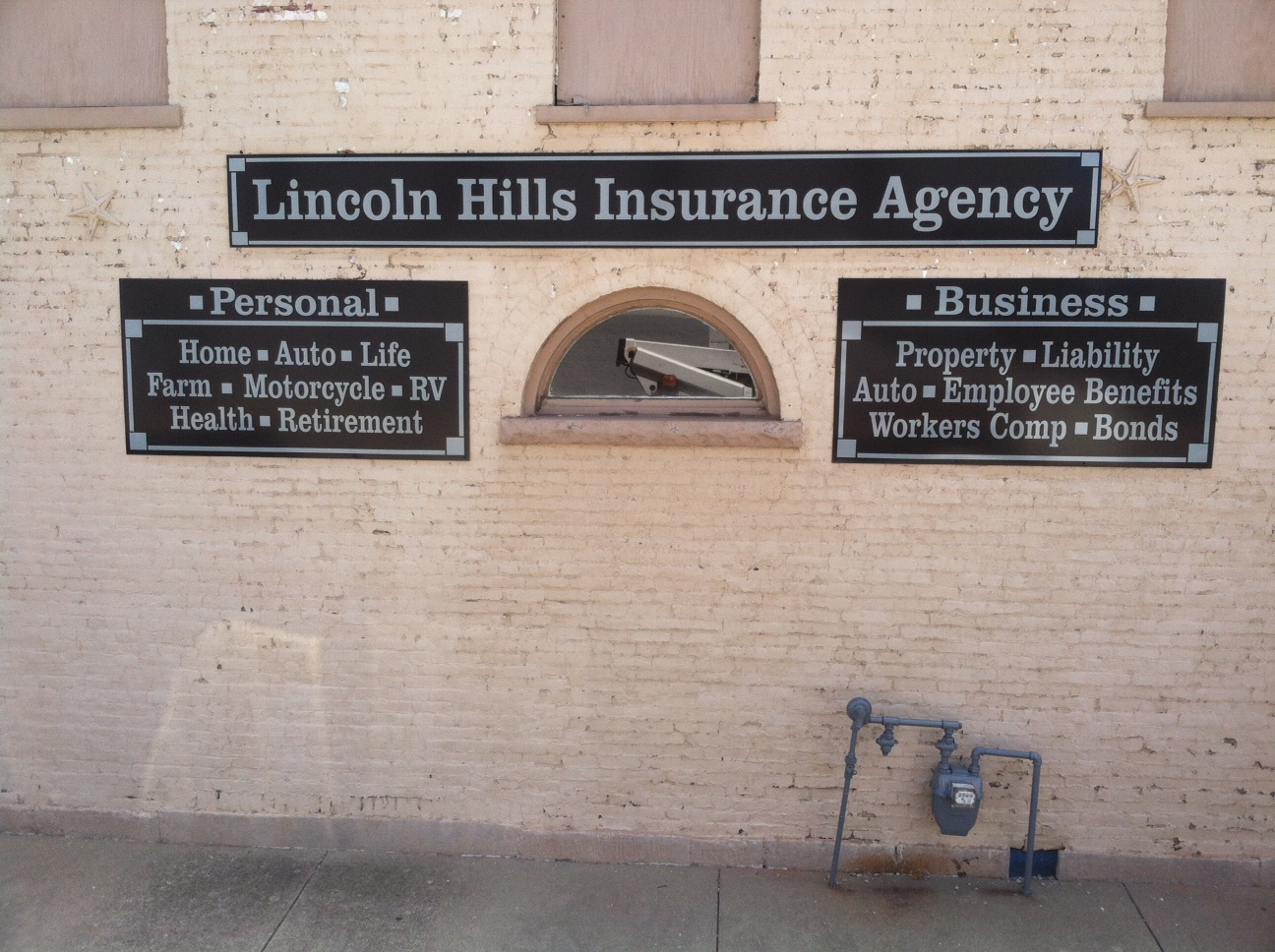 building-signs-lincoln-hills