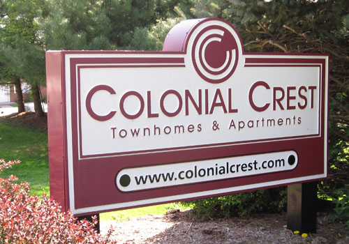 colonialCrest