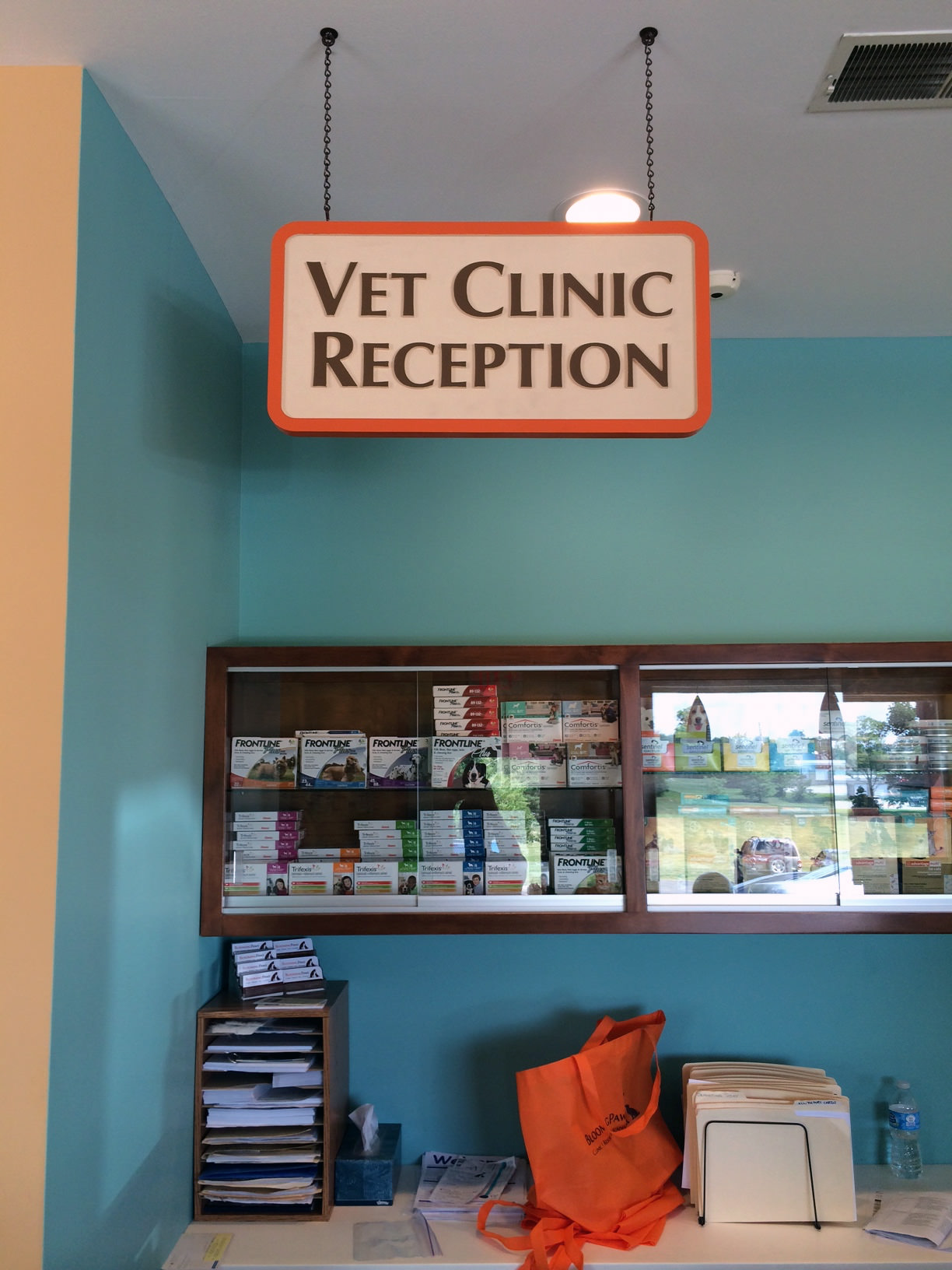 Interior Signs - Vet Clinic Reception at BloomingPaws