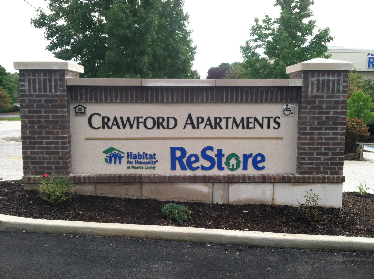 monument-signs-crawford-apartments