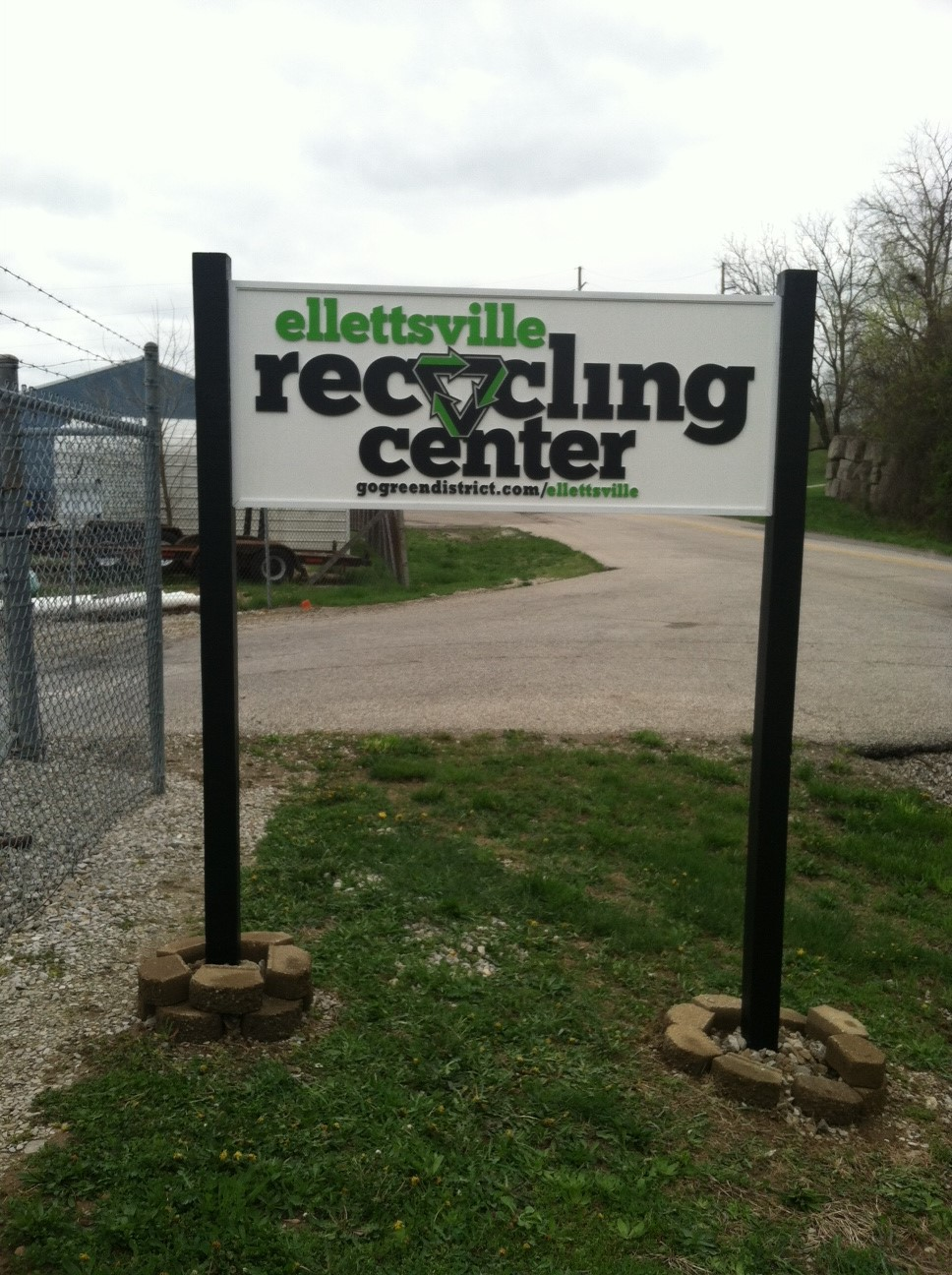 routed-signs-ellettsville-recycling-center