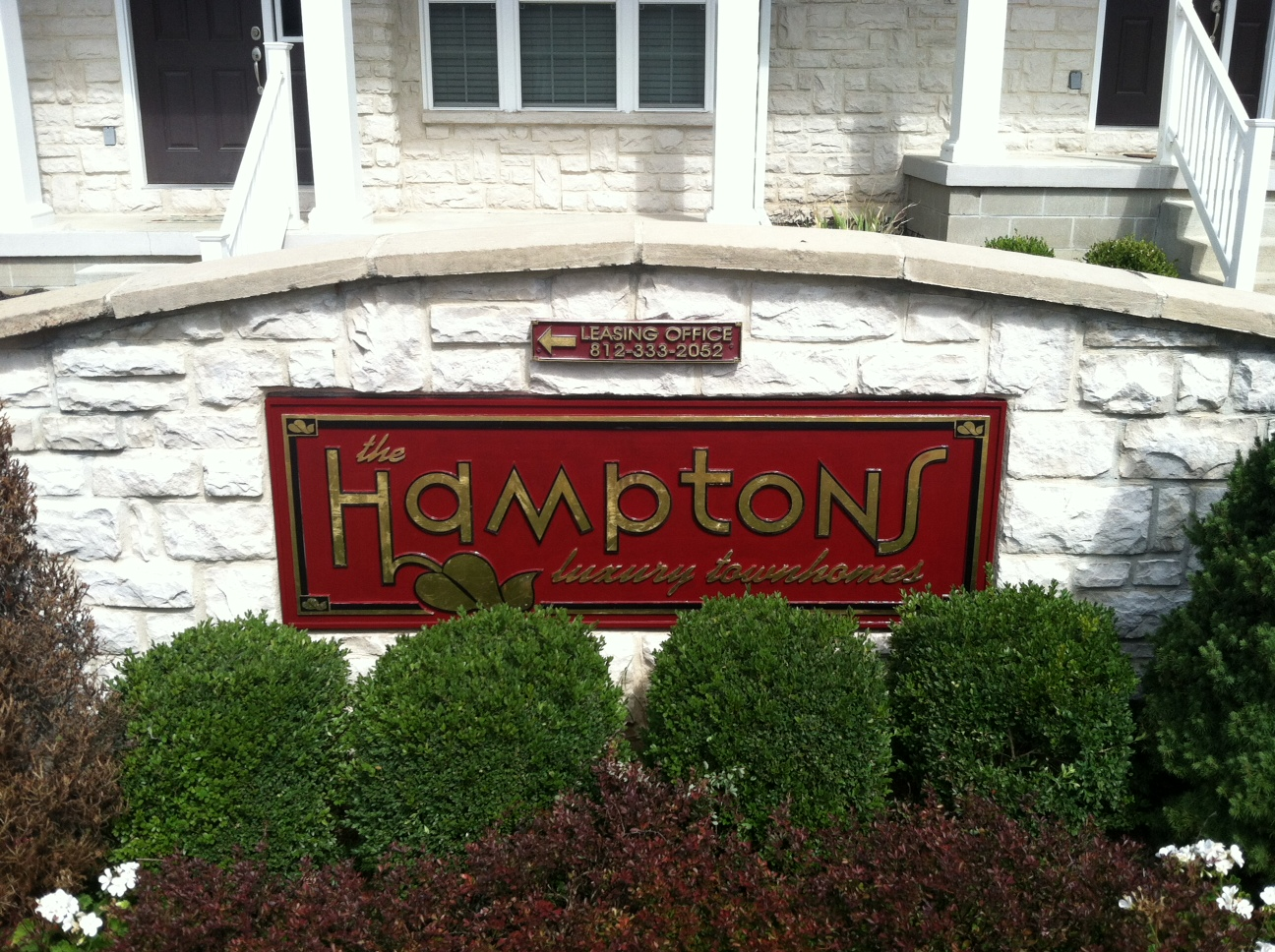 routed-signs-the-hamptons